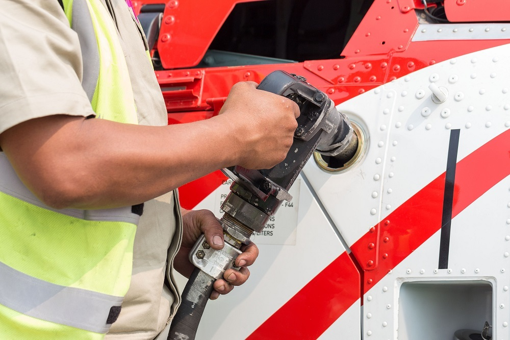 DS Heli Refuel WCA shutterstock 260083844 web and DS HLO HERTL shutterstock 560253373 web