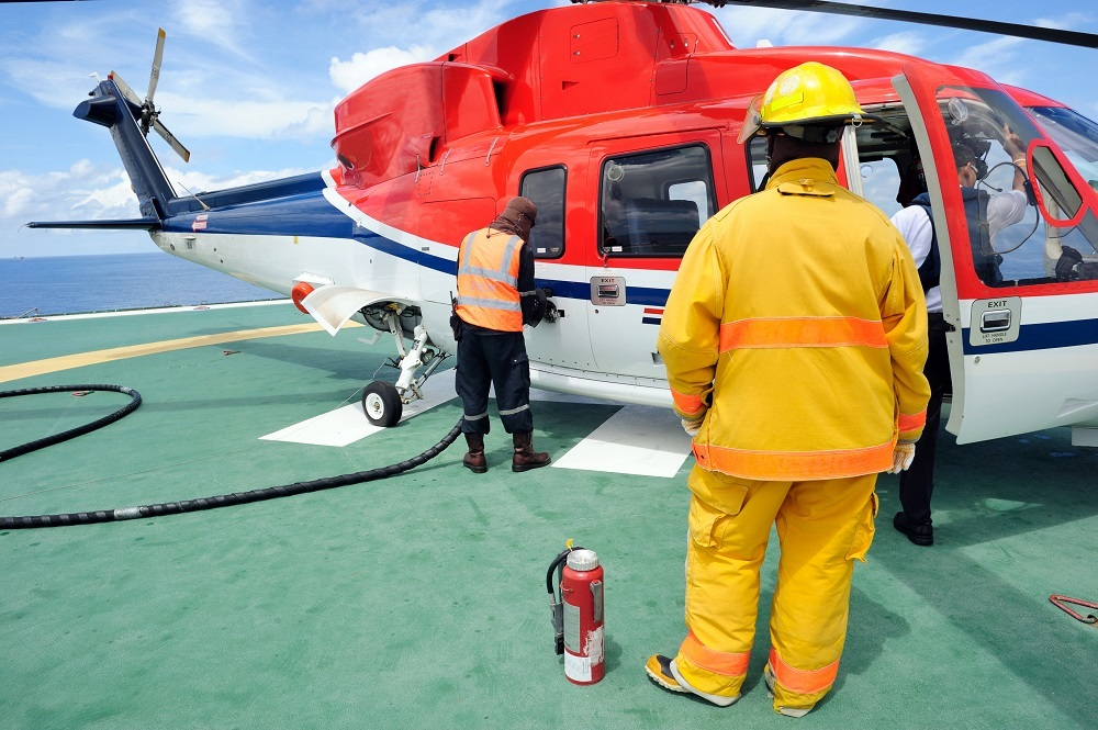 DS Helicopter Refuelling Training shutterstock 221005495 web